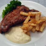 T-bone steak med sellerifritter