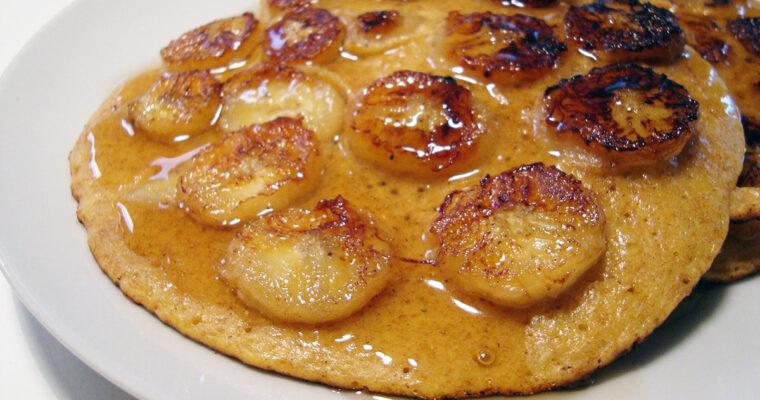 Pandekager med bananskiver