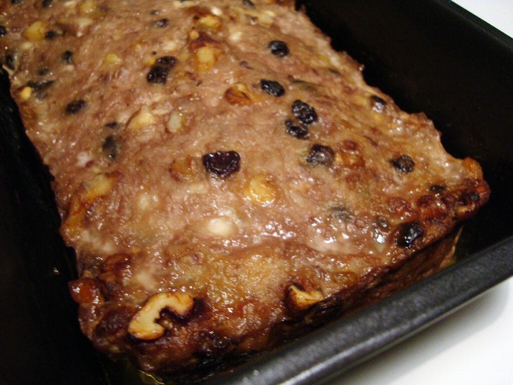 paté med valnødder og korender, pålæg, svinepaté, korender, muskatvin, svinekød, hytteost, mælk, hvedemel, valnøddekerner