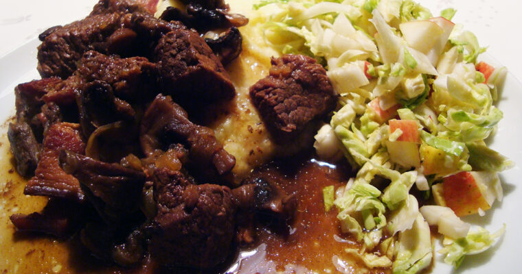 Simremad – oksekød i øl og kanel med pastinakmos