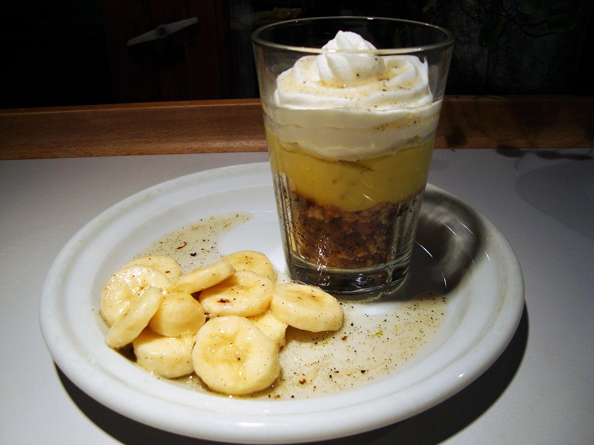 Citruscreme og vaniljemarinerede bananer