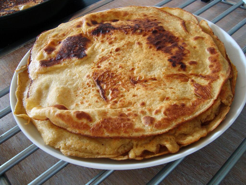 kikærtepandekager, pandekager, madpandekager, vegetar, æg, øl, yoghurt, rapsolie, kikærtemel