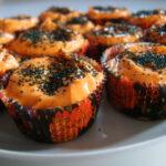 Halloween-muffins med æbler, kanel og dadler