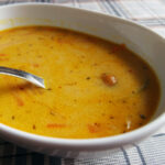 Muslingesuppe med gulerødder og karry