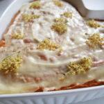 Hvid chokoladekage med citron og hyldeblomster