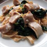 Dampet fisk med spinat og pasta