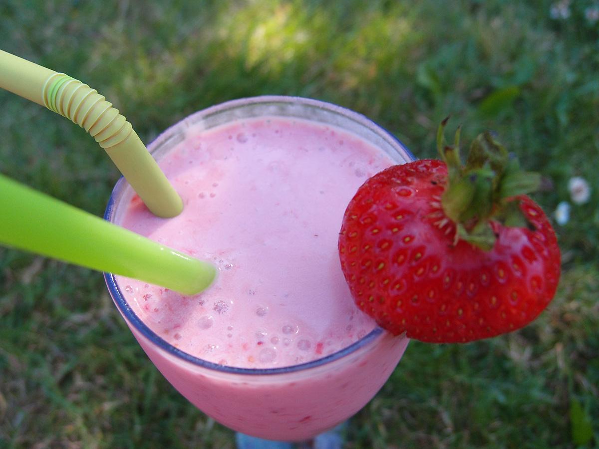 jordbærmilkshake, milkshake, jordbær, jordbæris, is, drik, sødmælk
