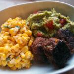 Escquites – mexicansk majssalat samt guacamole
