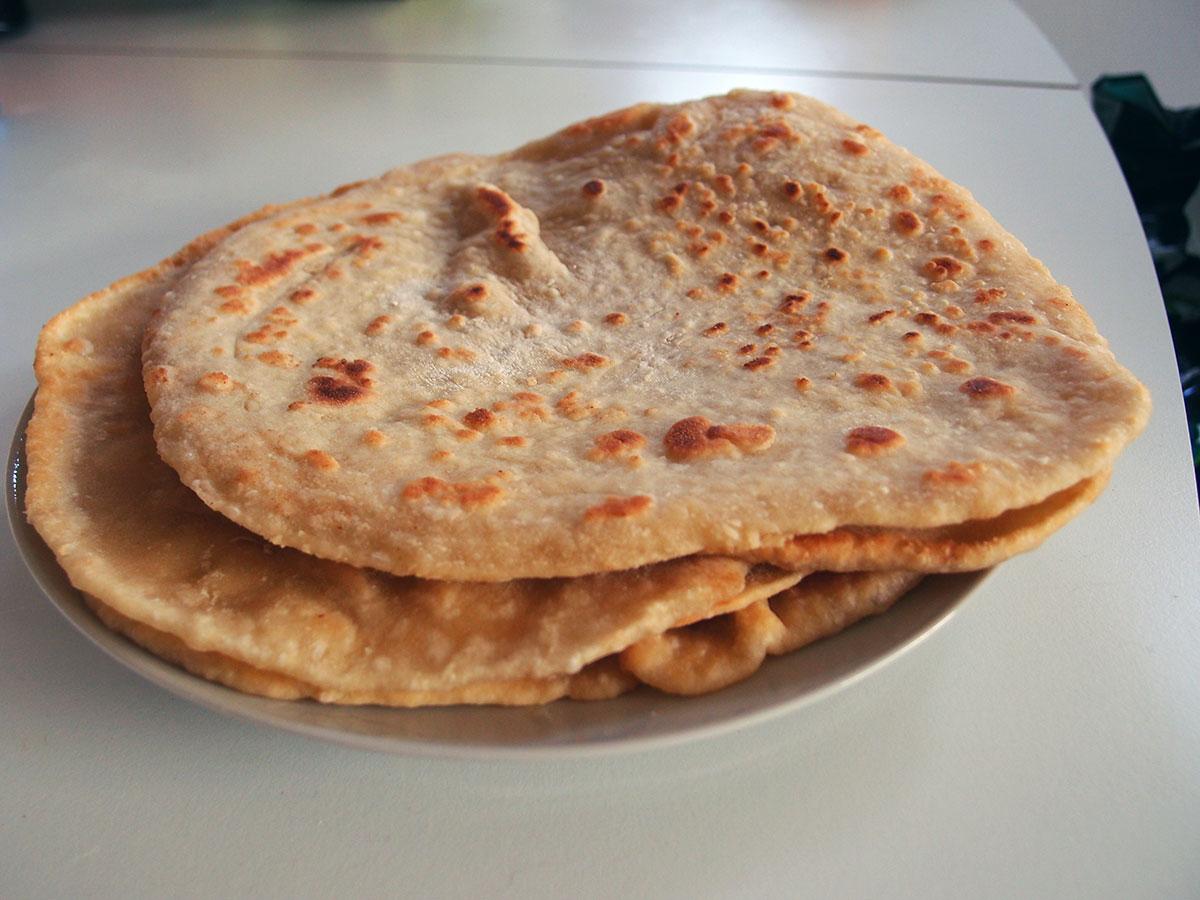 Tortillas og sincronizada - også kendt som quesadilla med kylling