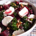 Rødbedesalat med grønkål og gedeost