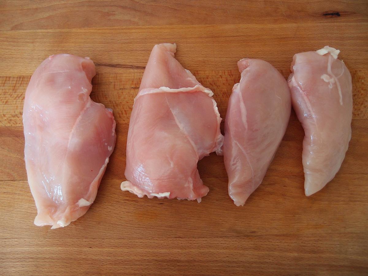 kyllingeruller, kylling, kylligebryster, hakket kyllingekød, persille, løg, æg