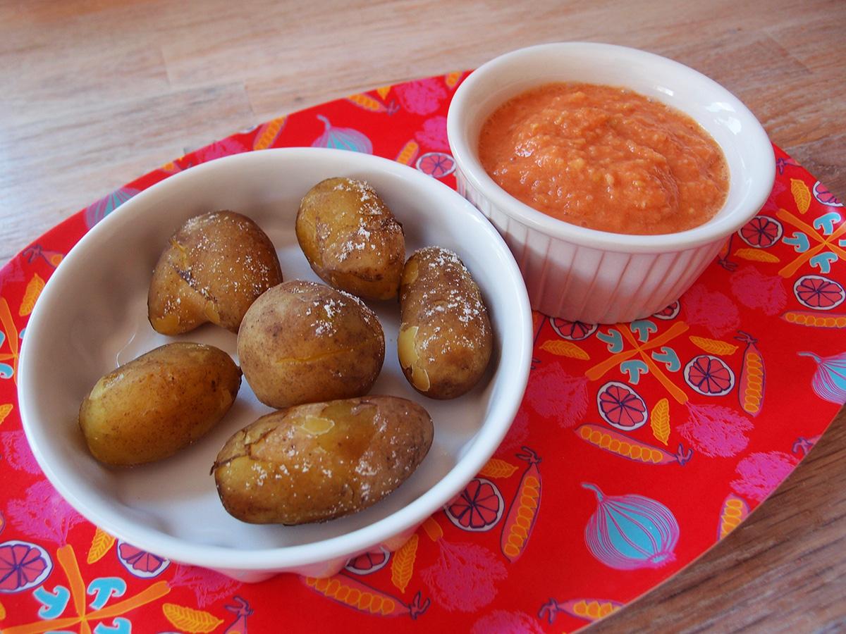 papas con mojo, kartofler, mojo-dip, dip, dressing, brød, tomater, hvidløg, vegetar