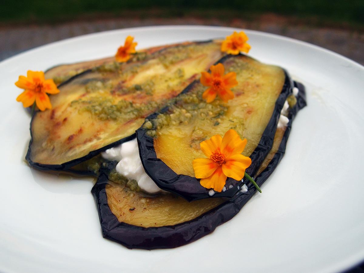 Stegt aubergine med pesto og hytteost - LCHF-style