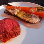 Røget kalvemørbrad med grillede grøntsager og kærnemælksdressing