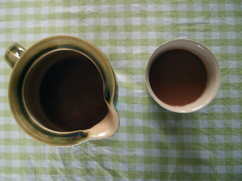 varm mælkechokolade, varm chokolade, varm drik, chokolade, mælkechokolade, mælk, kaffelikør