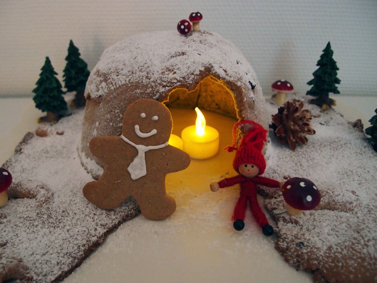 gingerbread men, julesmåkager, småkager, kage, dessert, jul, smør, mørk farin, sirup, rørsukker, æg, hvedemel, ingefær, kanel, nelliker