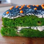 Grøn kage med flødeostecreme
