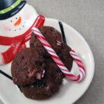 Julesmåkage med chokolade og polkagris