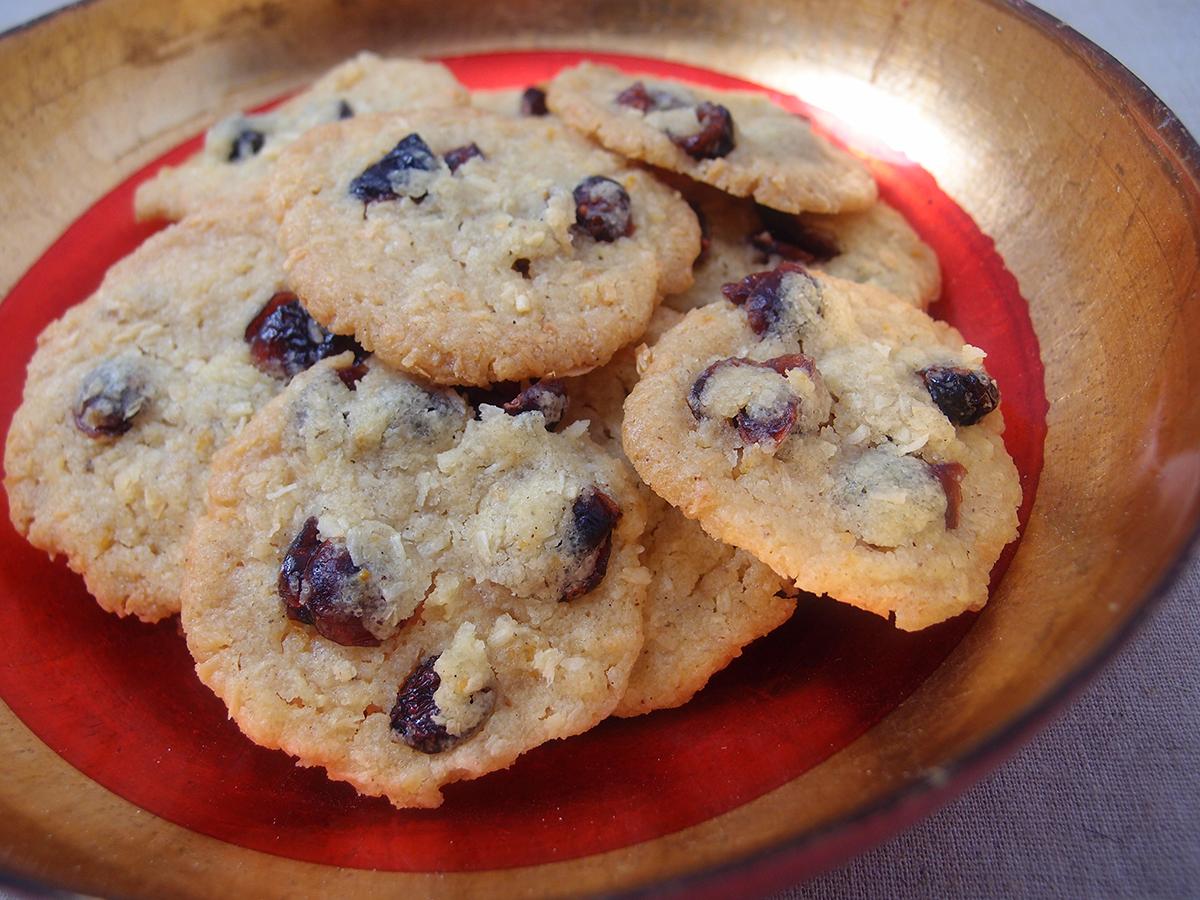 tranebær-kokoskager, småkager, småkage, jul, kage, julesmåkager, kokosmel, tranebær, vanilje, smør, bagepulver, appelsiner, rørsukker,