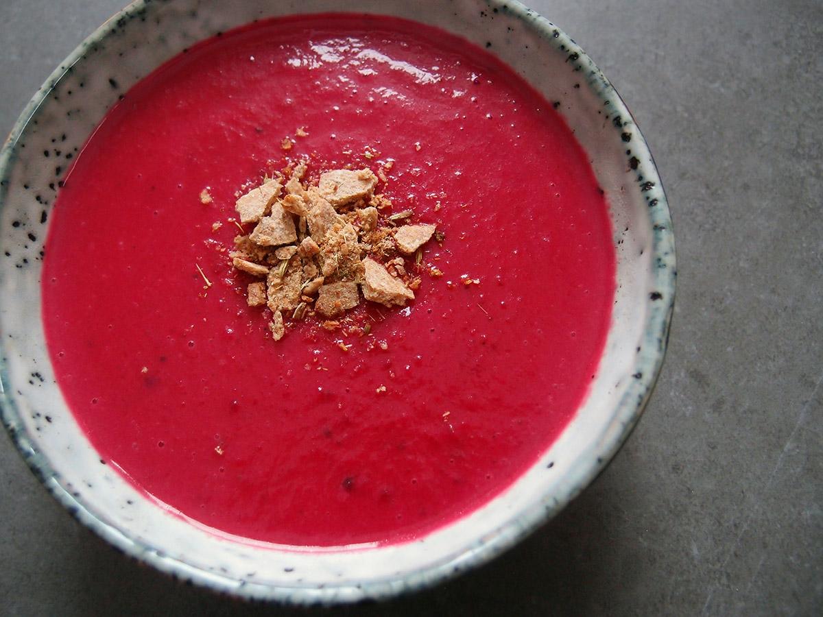 Rodfrugtssuppe med rødbeder