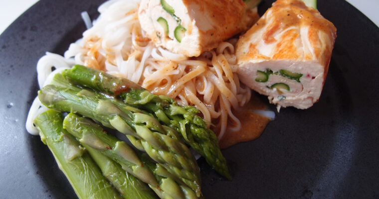 Kyllingesvøbte asparges