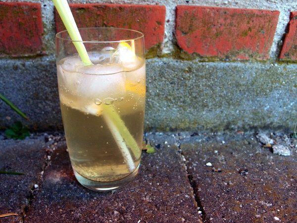 hyldeblomstgin, gin, drink, citroner