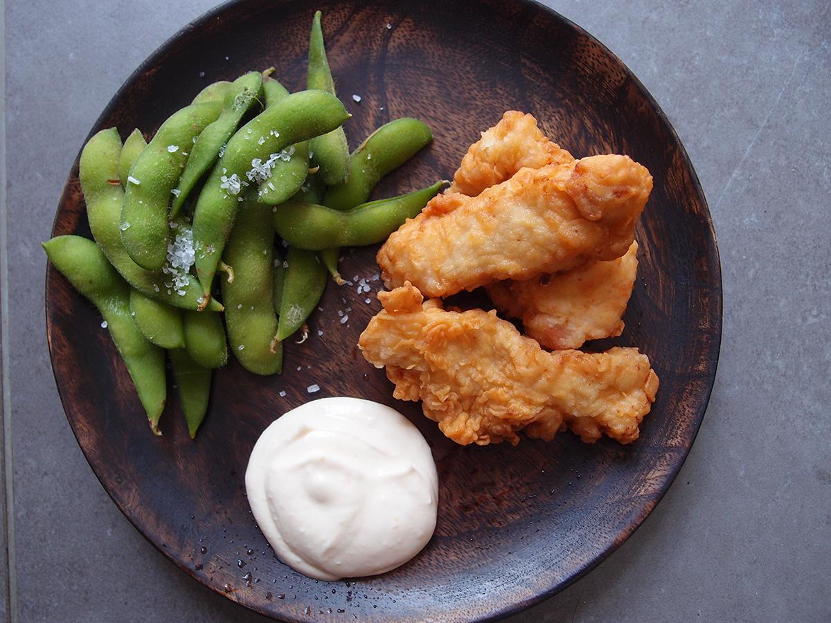 karaage, friteret kylling, asiatisk, japansk, kylling, rapsolie, hvidløg, ingefær, hvedemel, soya, sake