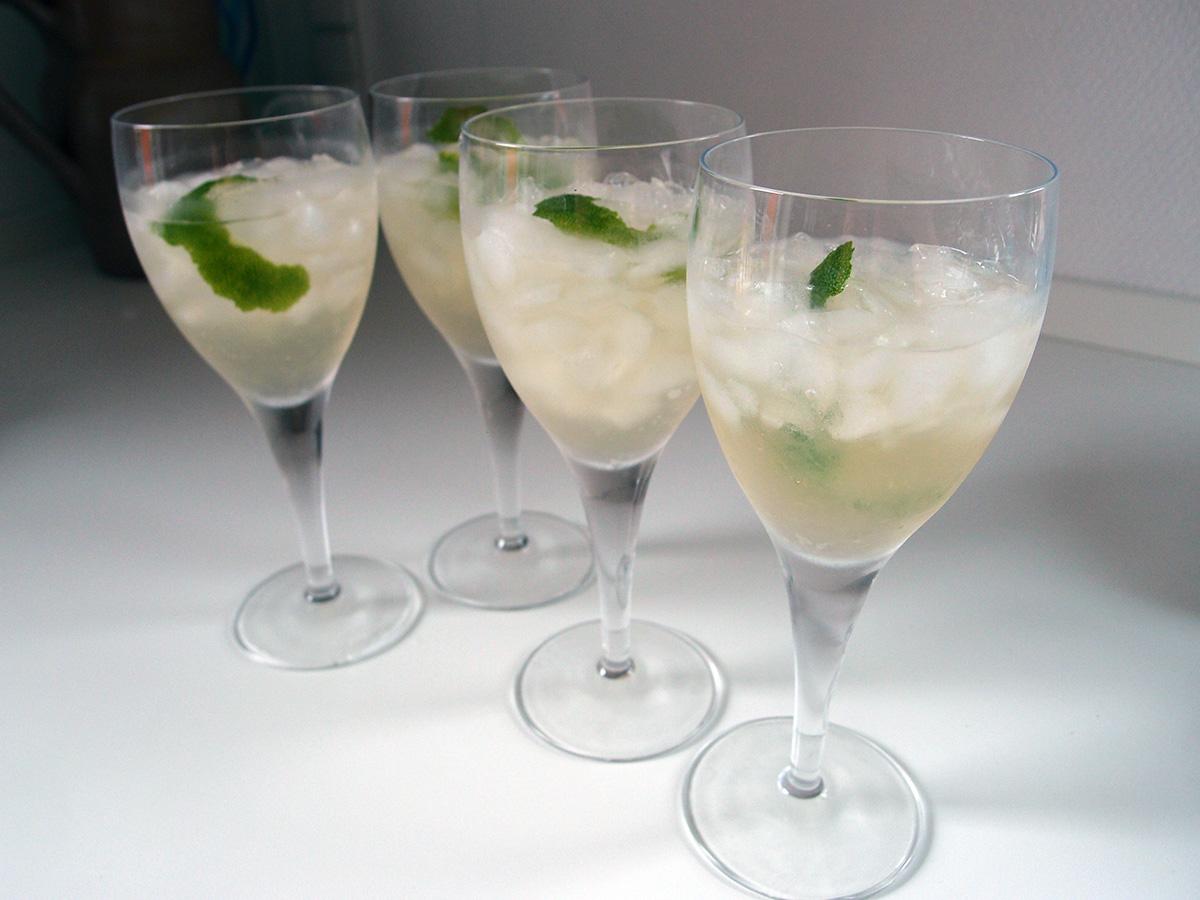 sake-drink, drink, cocktail, sake-cocktail, sake, japansk, lime, danskvand, ferskenlikør