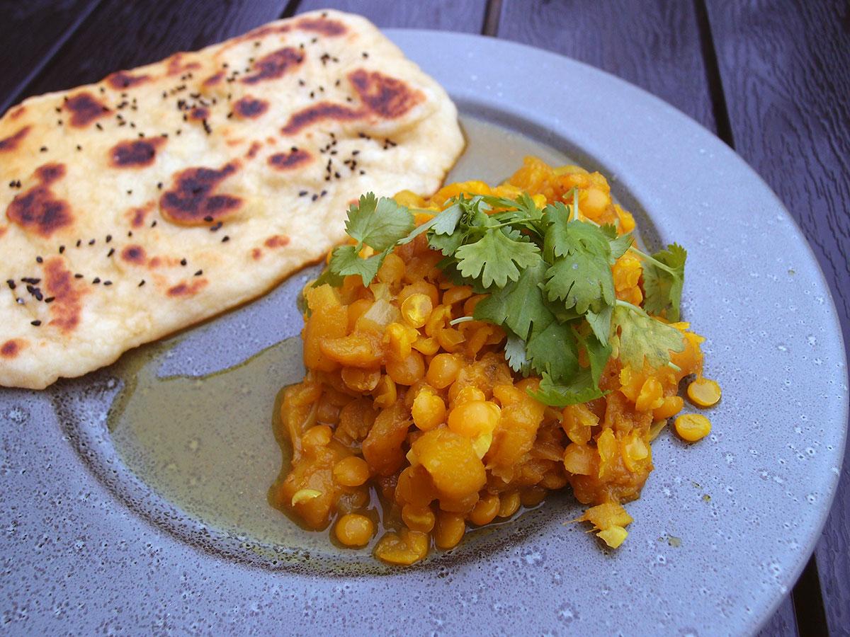 mango dahl, indisk, vegetarisk, mango, røde linser, flækærter, gurkemeje