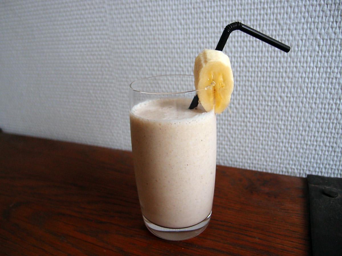 Banan-milkshake - med eller uden sukker