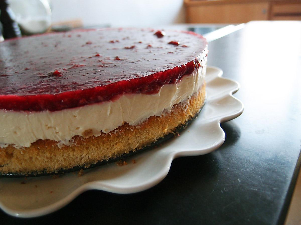 hindbær-cheesecake, cheesecake, hindbær, flødeost, mascarpone, husblas, rørsukker, hvedemel, æg, vanilje