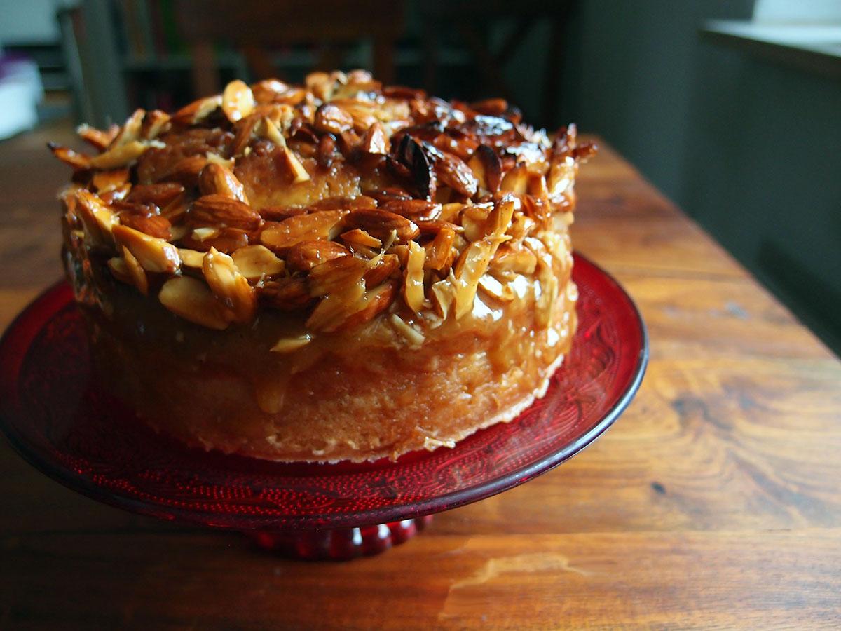 toscakage, kage, dessert, hvedemel, mandler, honning, bagepulver, rørsukker, vanilje, smør, æg, creme fraiche