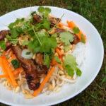 Bún Thịt Nướng – svin med nudler