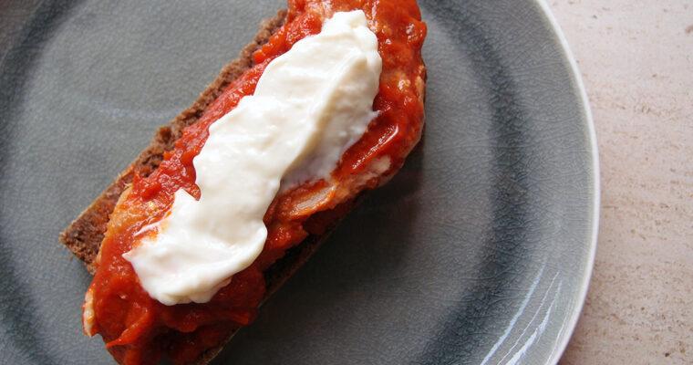 Hjemmelavet makrel i tomat