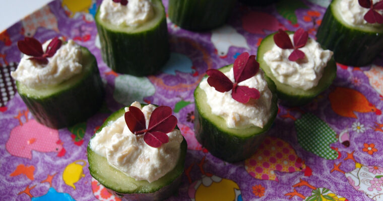 Agurkehapser med ricotta og cashewnødder