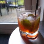 Gin & tonic med citronmelisse-gin