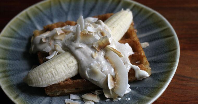 Kokosvafler med banan og vaniljecreme