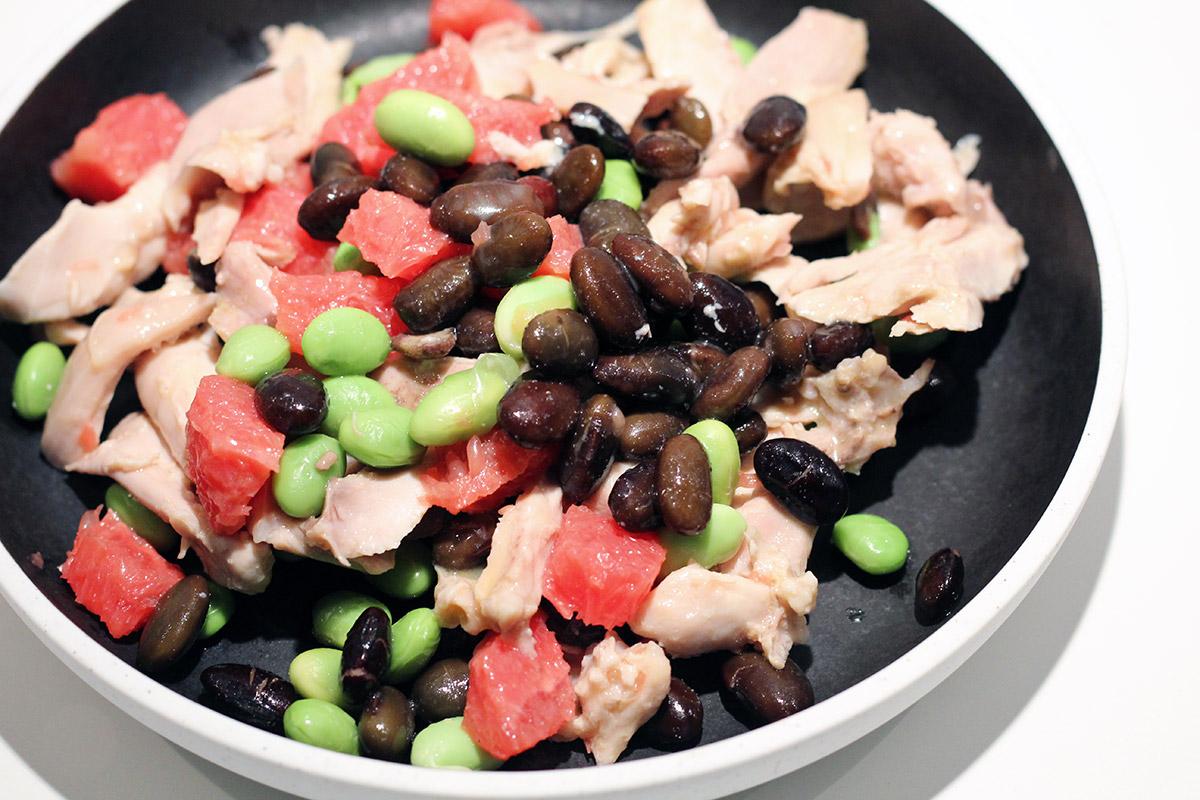 Proteinrig bønnesalat med kylling og grapefrugt