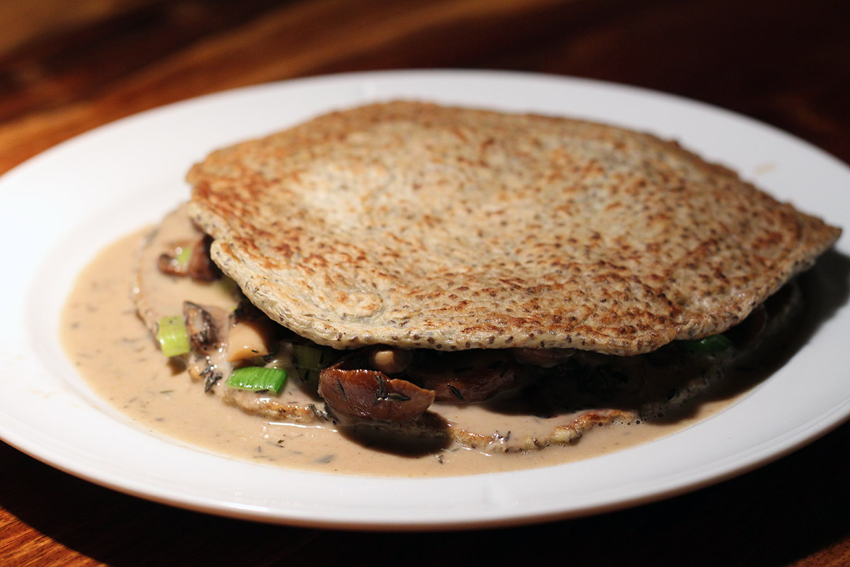 quinoapandekager, madpandekager, pandekager, vegetar, vegetarret, vegetarmad, quinoa, hvedemel, æg, svampe, timian, porre, gorgonzola, ost, mælk