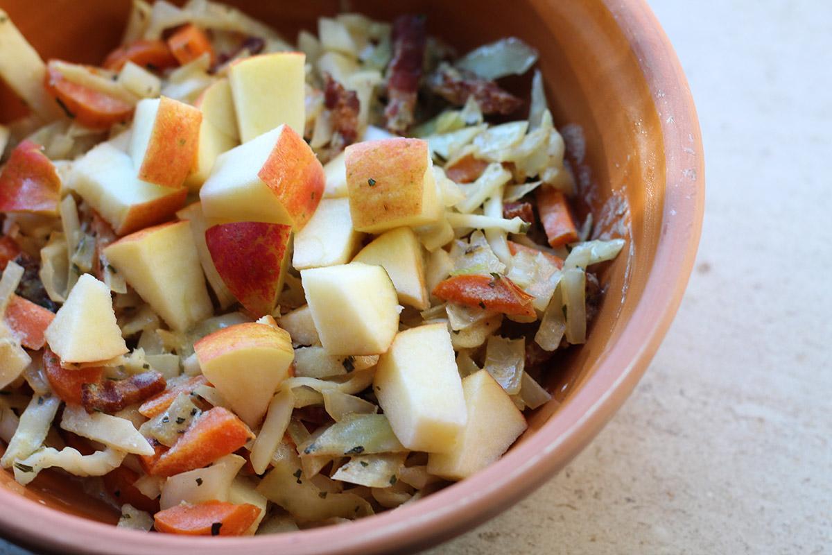 vintermad, vinterret, hvidkål, kål, gulerødder, æble, sennep, bacon, svinekød, estragon