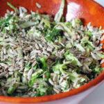 Kålsalat med ristede solsikkekerner