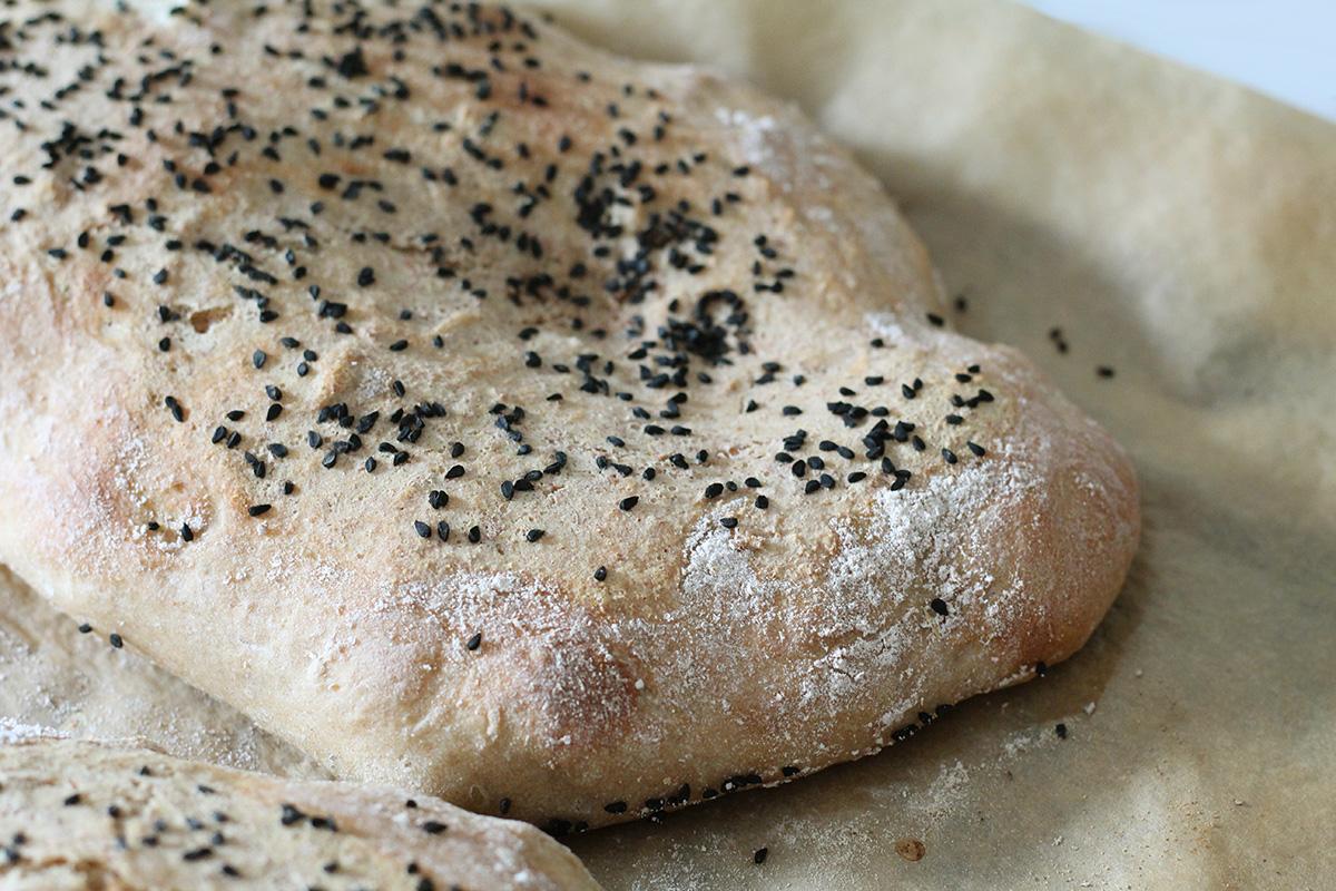 barbari, iranske brød, fladbrød, gær, bagepulver, hvedemel, majsmel, nigellafrø