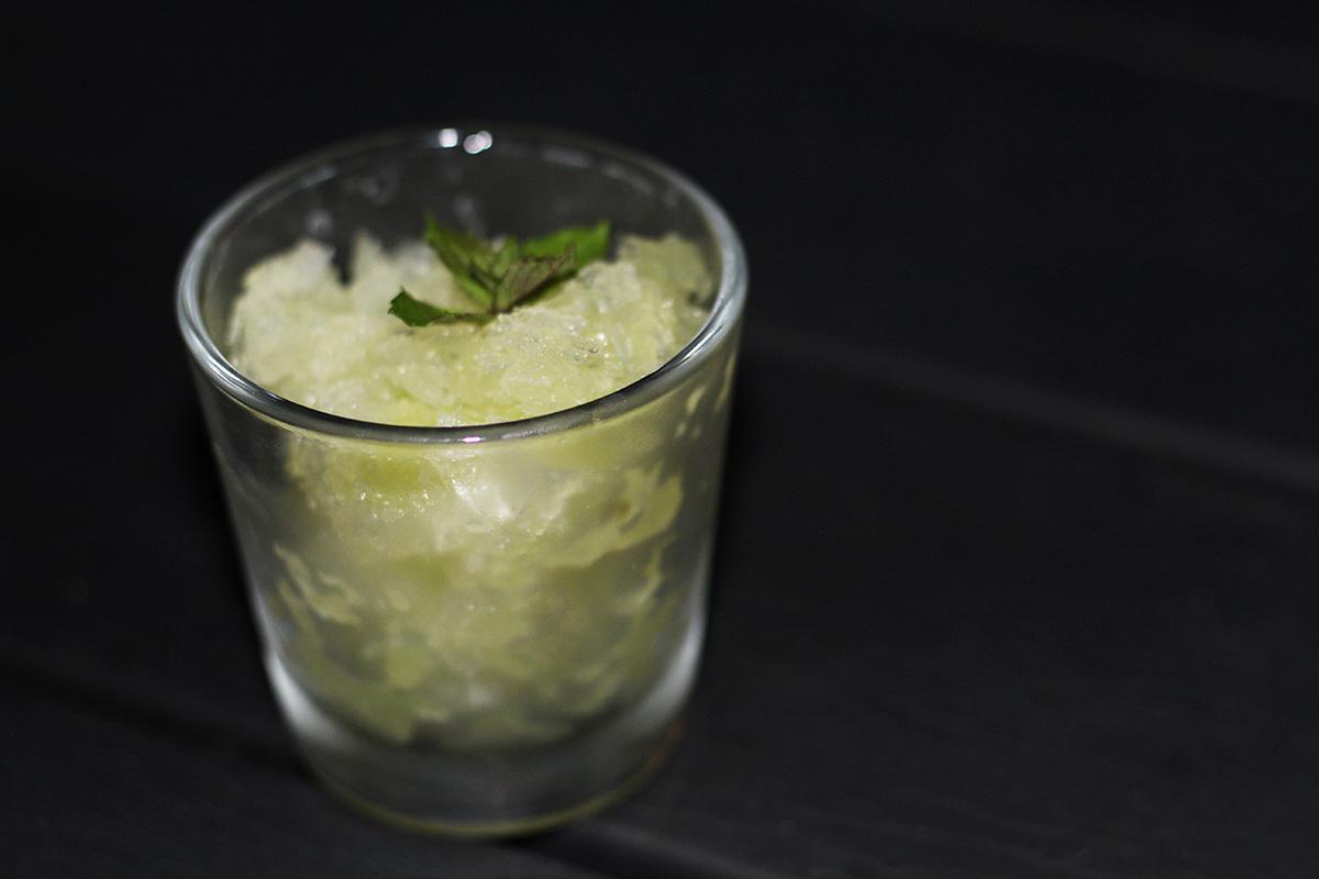 agurkeis, is, agurk, agurkegranité, granité, mundrenser, gin, mynte, lime, sirup