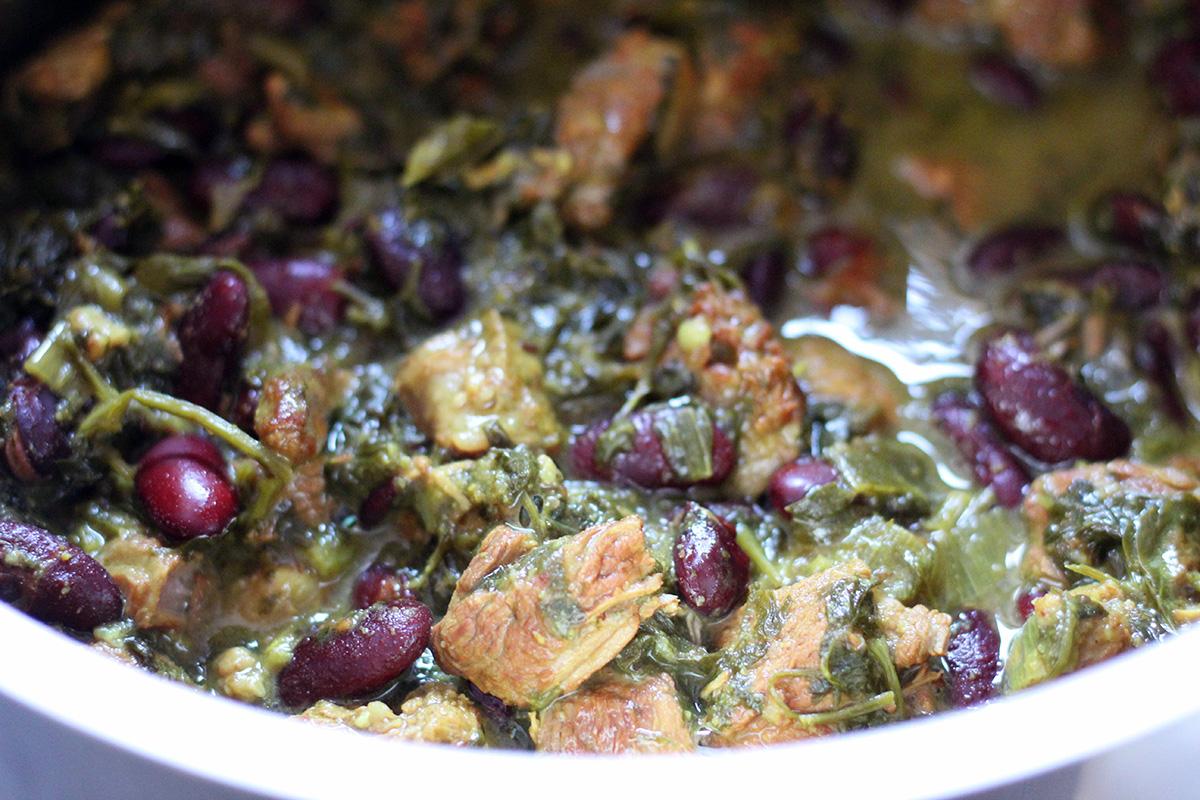 ghormeh-sabzi, lammeret, lammekødsret, lammekød, lam, iransk, mellemøsten, koriander, forårsløg, persille, bønner, gurkemeje