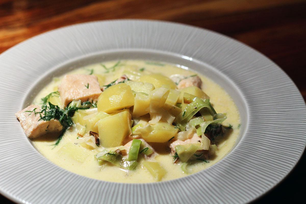 laksesuppe, fiskesuppe, suppe, laks, fisk, dild, kartofler, porre, fløde,