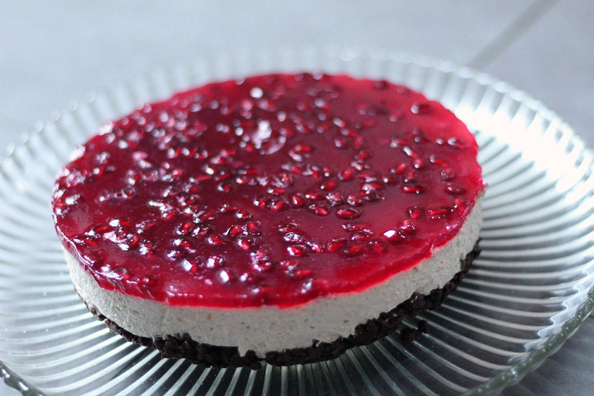 granatæble-cheesecake, cheesecake, ostekage, granatæble, husblas, rørsukker, flormelis, chokolade, kiks, flødeost, appelsin, vanilje, smør