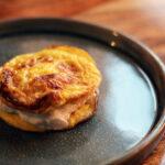Mini-omelet med rejefyld