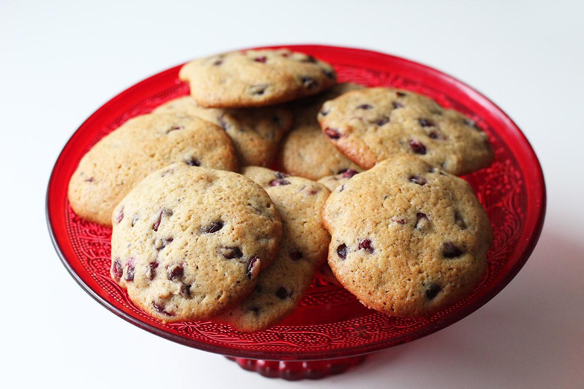 granatæble cookies, æg, smør, hvedemel, bagepulver, rørsukker, vanilje, lakridspulver,
