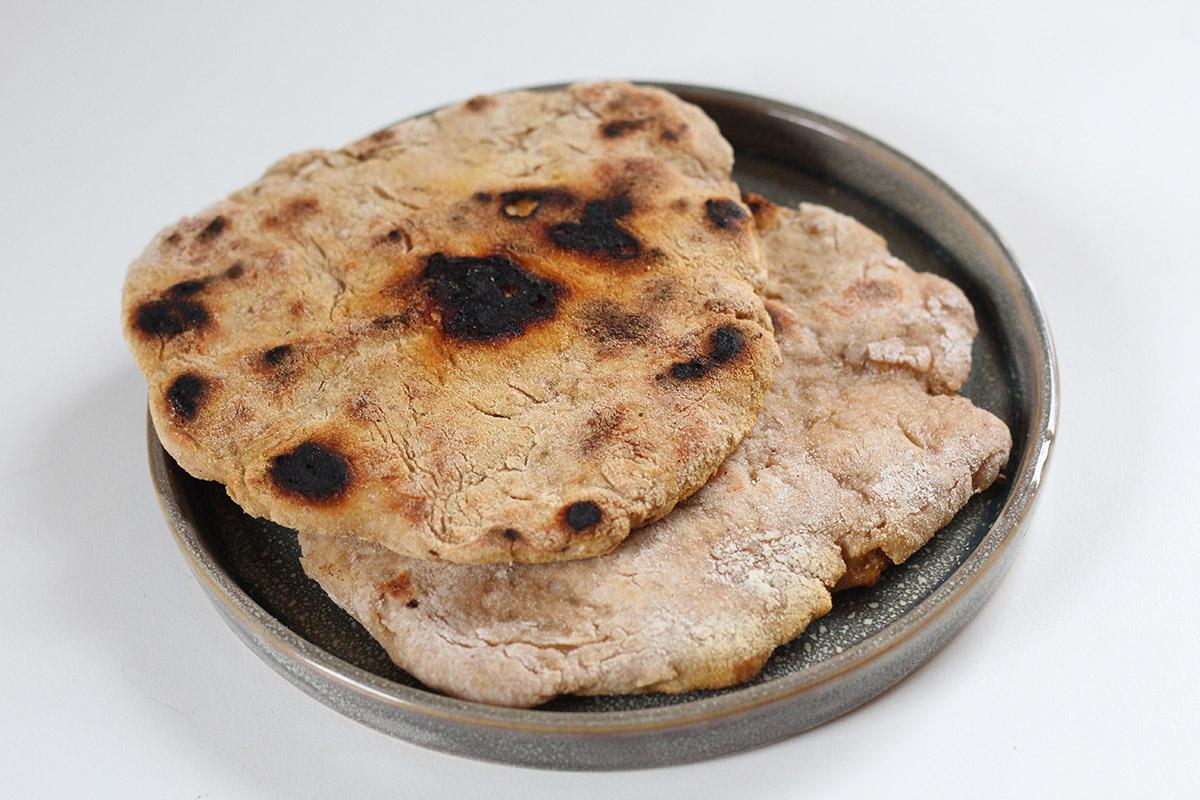 grillede fladbrød, brød, hvedemel, fuldkornshvedemel, grahamsmel,