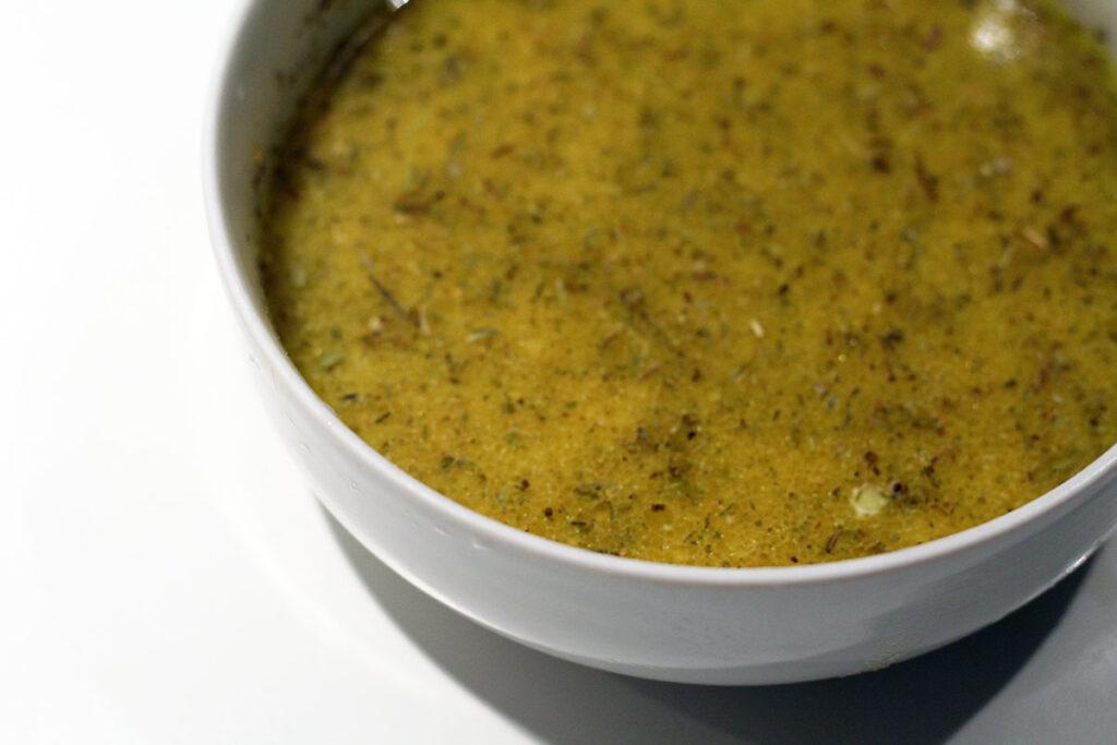 and, salat, citrusdressing, salatdressing, appelsin, citron, hvidvinseddike, olivenolie, hvidløg, timian, majsstivelse